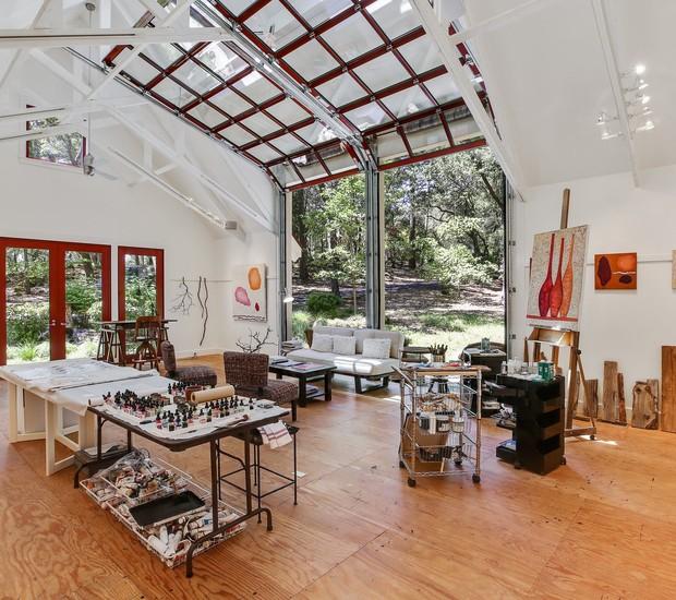 O interior do estúdio de artes da casa de Robert Redford  (Foto: Reprodução/ Dwell )