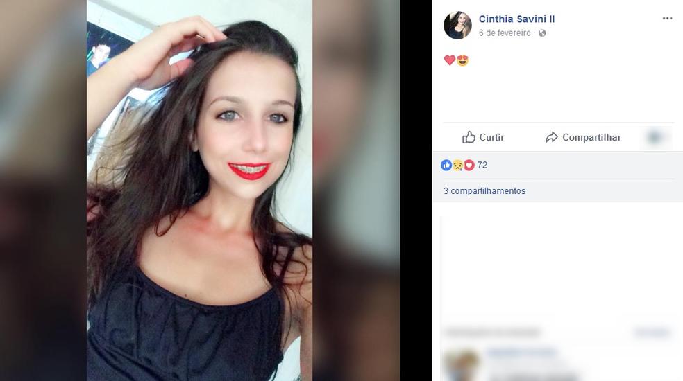 Cinthia Savini estava em carro conduzido pelo namorado (Foto: Facebook/ Reprodução)