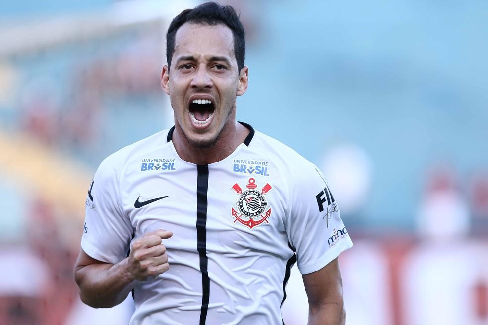Rodriguinho deve vestir a camisa do Cruzeiro em 2019 — Foto: Celio Messias/Estadão Conteúdo
