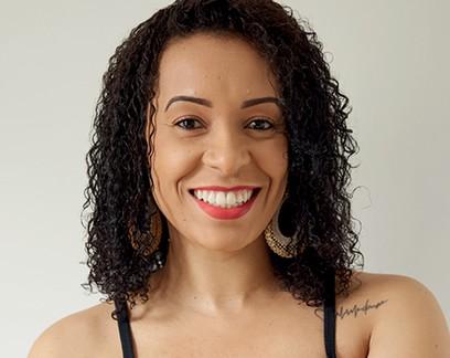 Oferecer degustações gratuitas em lives foi a estratégia usada por Ellen Moraes para divulgar seus cursos de estética de sobrancelha e gestão de negócios de beleza