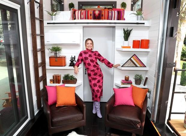 A atriz Olivia Wilde ajudou a planejar o design e fez questão de adicionar materiais reutilizados na construção (Foto: Cindy Ord/ Reprodução)