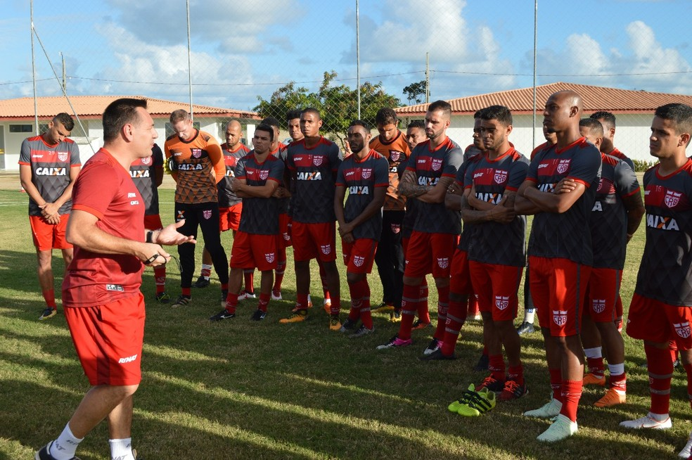 Doriva chegou ao CRB em 29 de junho, na 14ª rodada da Série B (Foto: Maxwell Oliveira / Ascom CRB)