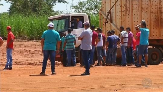 Funcionários de usina no noroeste paulista protestam pelo terceiro dia contra atraso de salários
