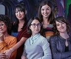 A série é um spin-off de 'Malhação: viva a diferença e , no início, as cinco amigas se reencontram após ficarem seis anos afastadas   | TV Globo
