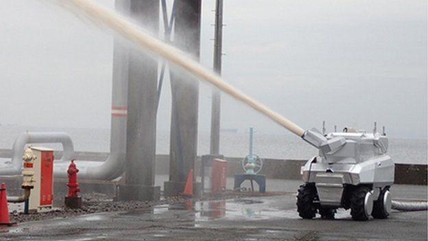 Os robôs bombeiros do Japão suportam calor extremo (Foto: MITSUBISHI HEAVY INDUSTRIES)