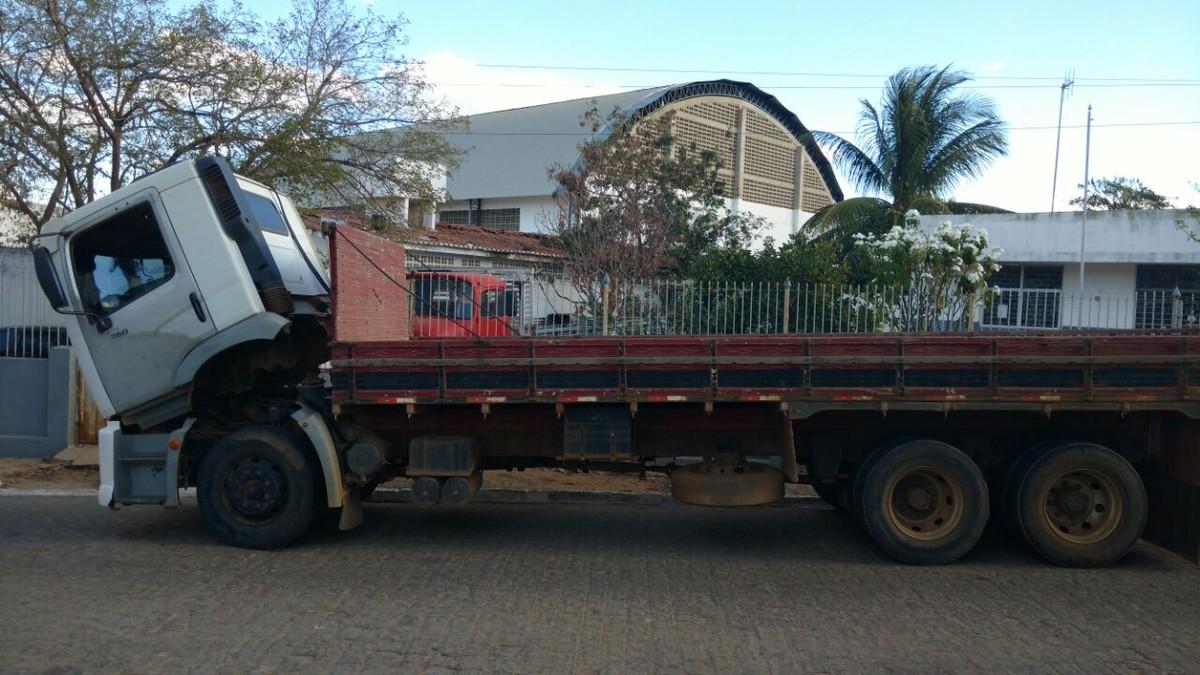 Presidente da Câmara de Vereadores de Maturéia é preso com caminhão clonado, diz polícia