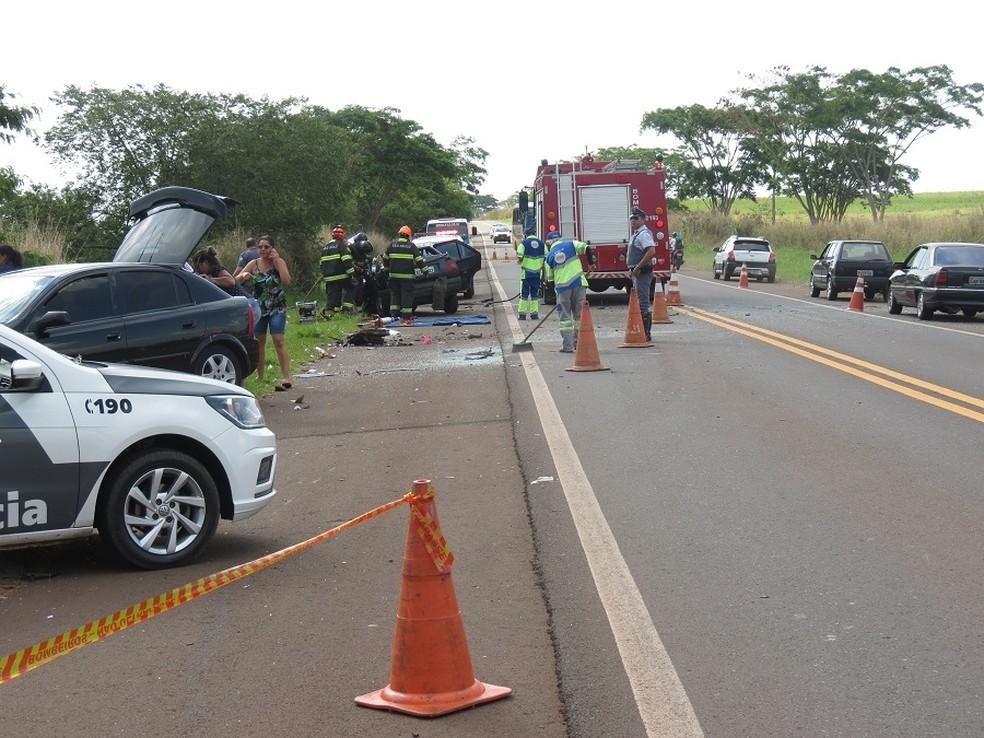 Condutor do carro com placas de Paulicéia morreu no local do acidente — Foto: Jorge Zanoni/Cedida
