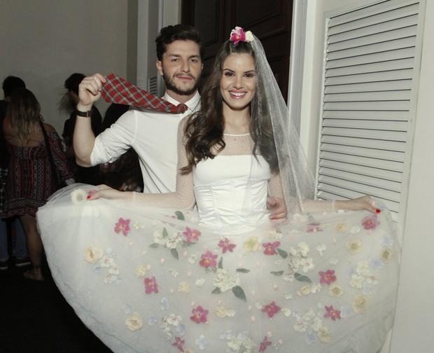 Klebber Toledo e Camila Queiroz  (Foto: Thyago Andrade/Brazil News)