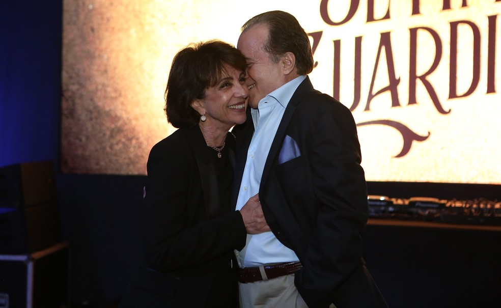 Tony e sua esposa Lidiane Barbosa no evento de lançamento de 'O Sétimo Guardião' — Foto: Isabella Pinheiro/Gshow