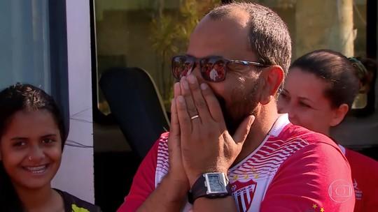 'Lata Velha' restaura van de fundador e técnico do Vila Nova Futebol Feminino