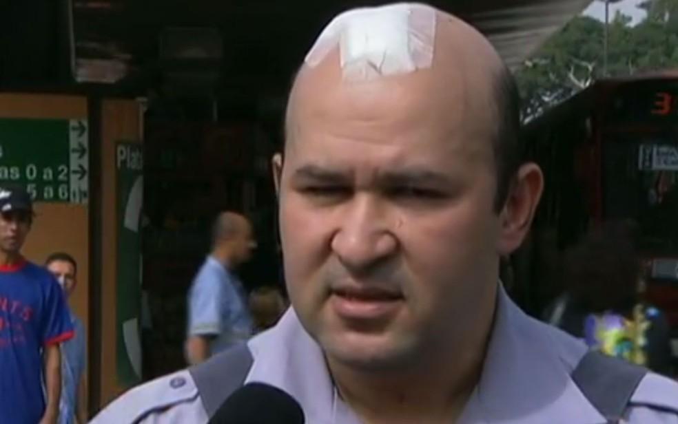 Soldado Wanderley Vignoli foi atacado por black blocs durante manifestação em 11 de junho de 2013 em São Paulo (Foto: Reprodução/Arquivo/TV Globo)