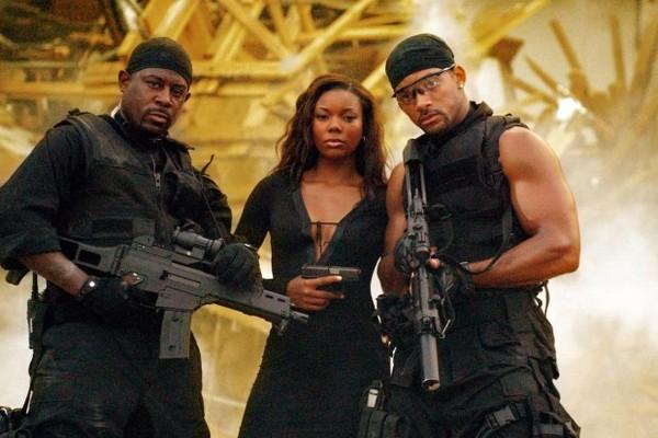 A atriz Gabrielle Union com seus colegas de elenco em Bad Boys 2 (2003) (Foto: Reprodução)