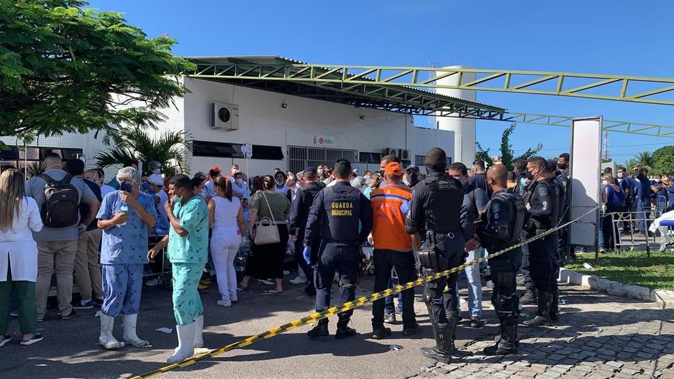 Incêndio no Hospital Municipal Nestor Piva na manhã desta sexta-feira — Foto: Michele Costa/TV Sergipe