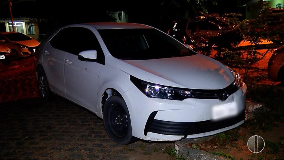 Carro usado pelos criminosos no assalto a delegacia em Vera cruz, RN — Foto: Reprodução/ InterTv Cabugi