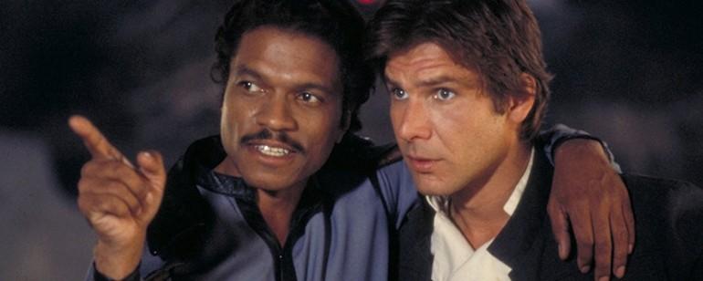 O contrabandista Lando tem uma relação de amizade e ódio com Han Solo (Foto: Divulgação)