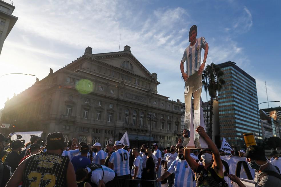 Protesto em Buenos Aires por investigação sobre a morte de Diego Maradona em foto de 10 de março de 2021 — Foto: Agustin Marcarian/Reuters