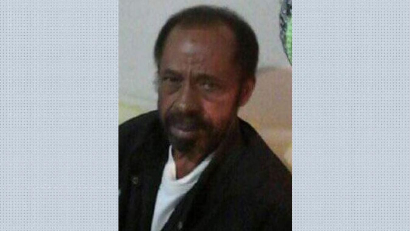 'Não se importaram com a vida do meu pai', diz filho de pedreiro encontrado morto em escadas da Santa Casa de Franca, SP