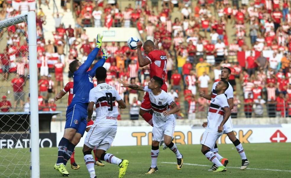 Anderson Conceição fez o gol do CRB no empate contra o Santa Cruz (Foto: Ailton Cruz/Gazeta de Alagoas)