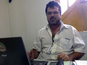 Adevaldo Oliveira, de 40 anos (Foto: Henrique Mendes / G1)