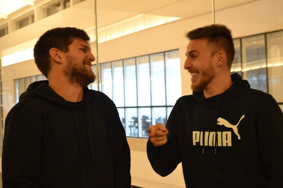 Bressan agradece ajuda de Kannemann e Geromel — Foto: Beto Azambuja / GloboEsporte.com