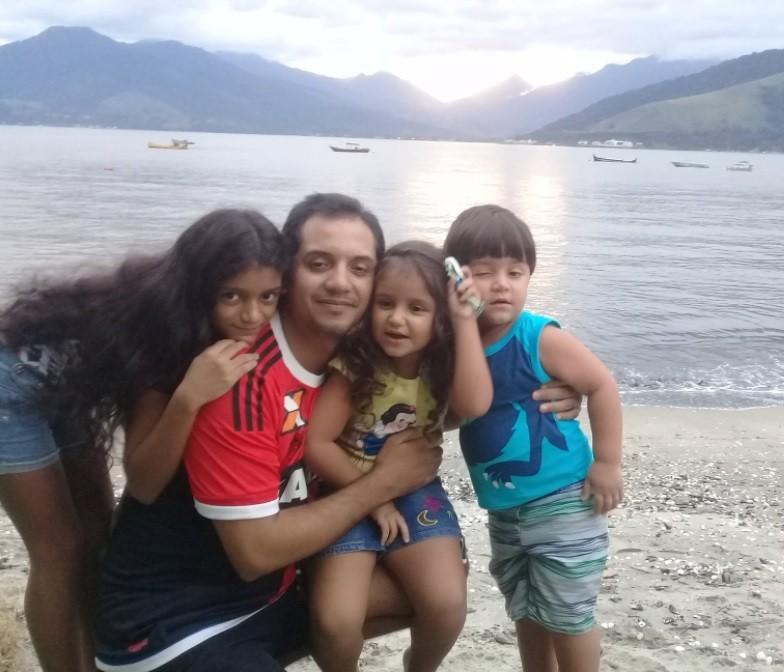 Leonardo Santana e os filhos 'nerdinhos'
