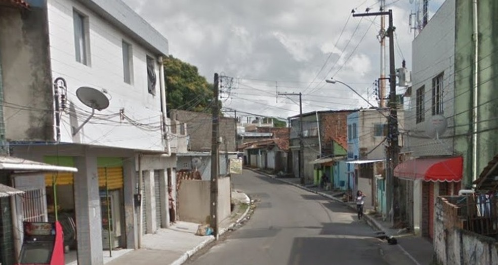 Rua onde ocorreu o femincídio fica em Água Fria, na Zona Norte do Recife  — Foto: Reprodução/Google Street View