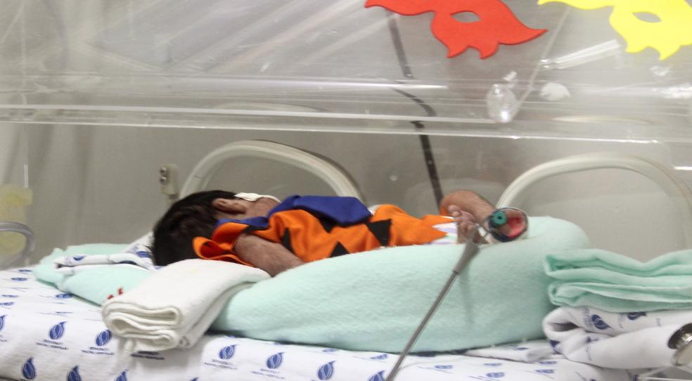 Bebês com quadro de saúde estável participam do projeto nas datas comemorativas (Foto: Divulgação)