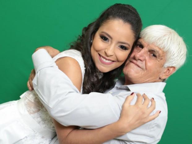Tales Pereira, de 63 anos, afirma que valeu a pena todo o esforço para realizar sonho da filha Goiânia Goiás (Foto: Reprodução/Studio Onze)