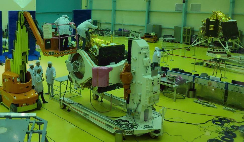 Índia planeja lançar em julho sua segunda missão espacial na Lua