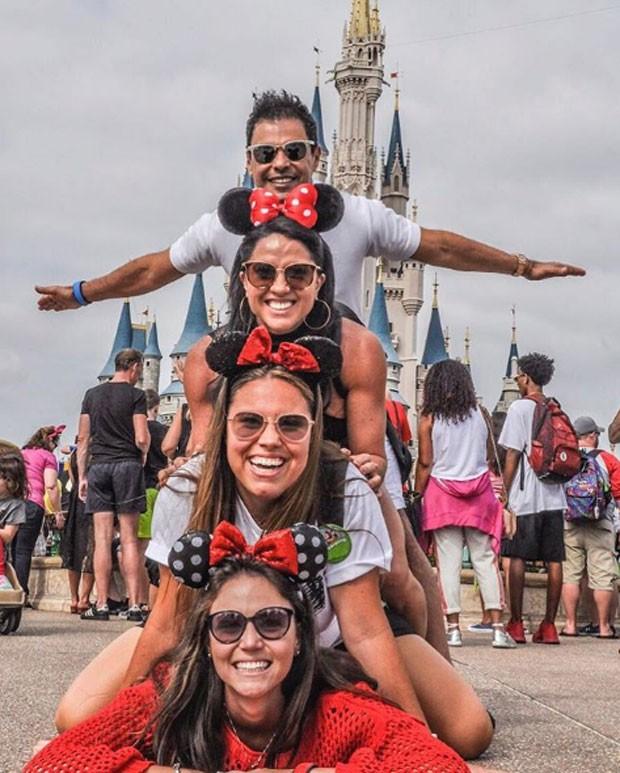 Zezé e Graciele com amigas (Foto: Reprodução Instagram)