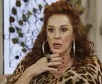Na segunda-feira (24), Lidiane (Claudia Raia) não aceitará o dinheiro que Mercedes (Totia Meireles) lhe oferecerá para deixar Quinzão (Alexandre Borges) | TV Globo
