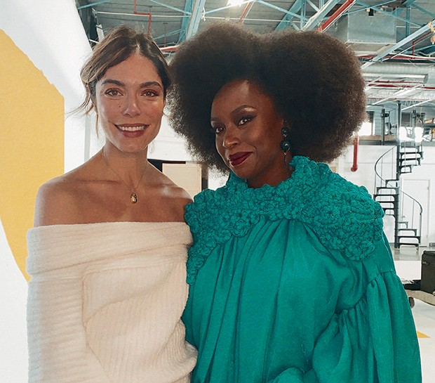 Laura Ancona Lopez e Chimamanda Ngozi Adichie (Foto: Helena Wolfenson)