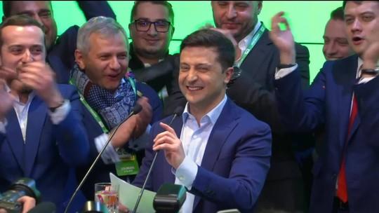Comediante é eleito presidente da Ucrânia com 73% dos votos