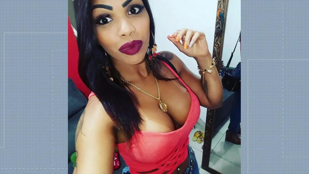 Angela Pedrosa, de 25 anos, mais uma vítima de procedimento estético — Foto: Reprodução/Redes sociais
