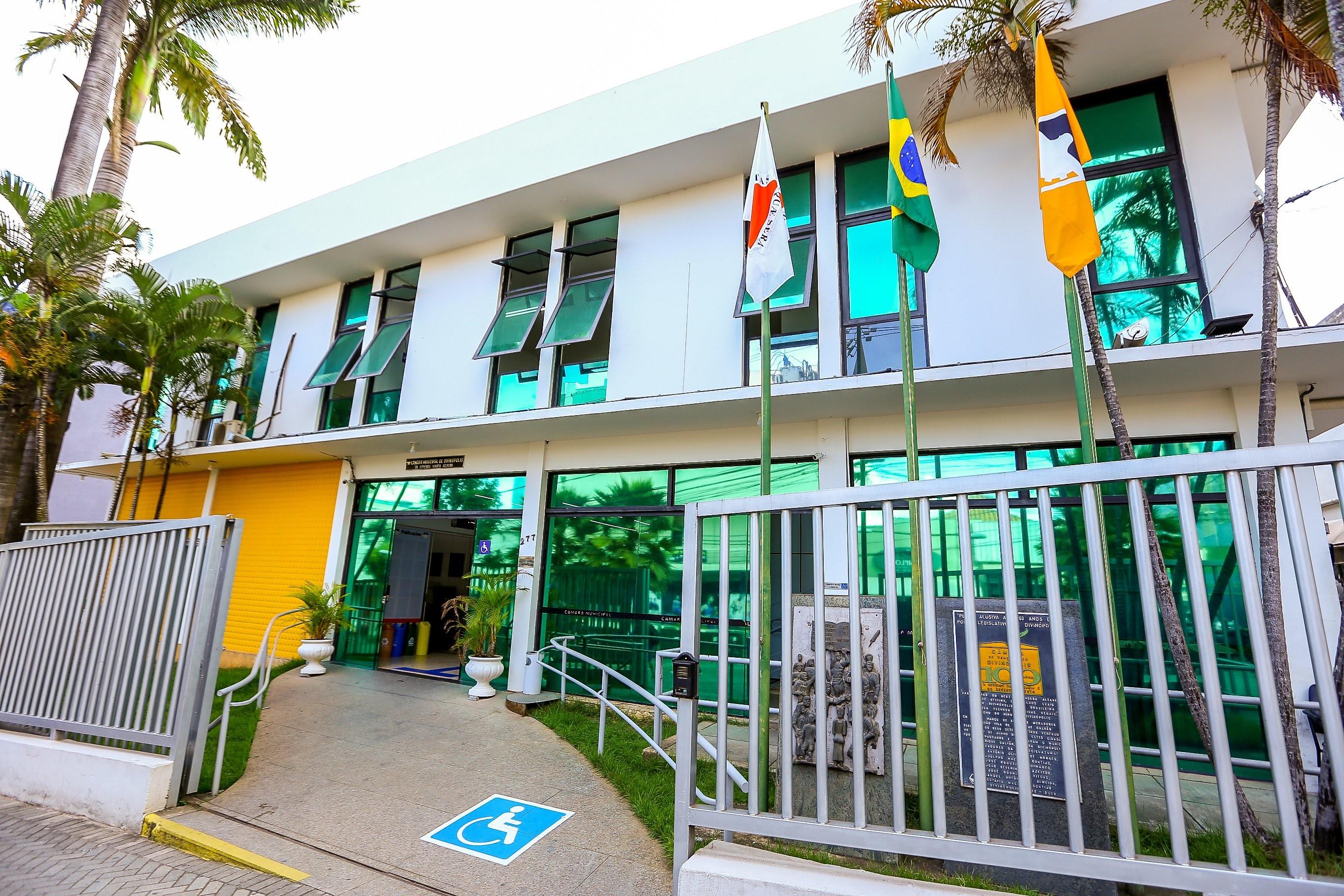 Câmara de Divinópolis aprova um projeto e quatro são retirados da pauta   - Notícias - Plantão Diário