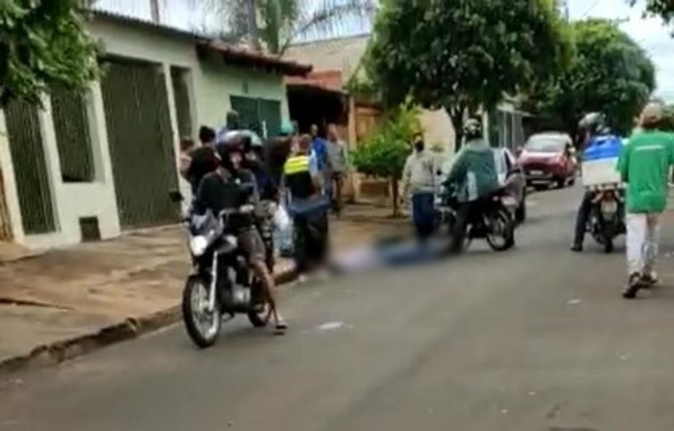 Barbeiro é perseguido na rua e morre após ser esfaqueado em Paraguaçu Paulista — Foto: Arquivo pessoal