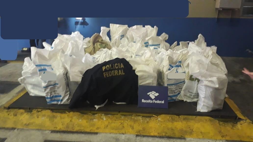 Receita Federal localiza mais de uma tonelada de cocaína em carga de café no Porto de Santos - Notícias - Plantão Diário