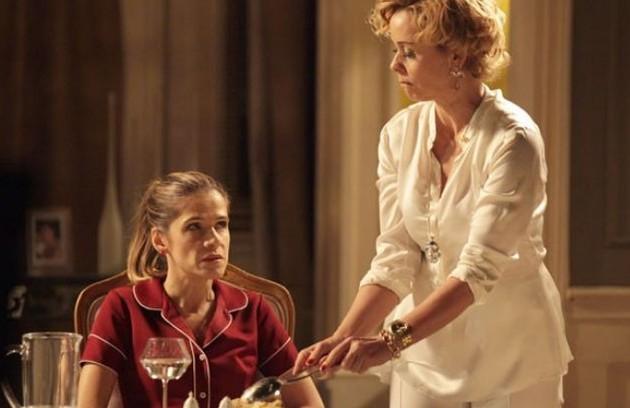 Ingrid Guimarães foi tina em 'Sangue bom', e também se empregou na casa de Bárbara Ellen (Giulia Gam) para se vingar (Foto: TV Globo)