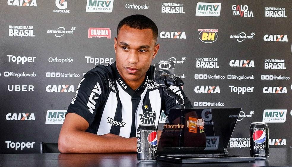 Leandrinho já foi apresentado, mas ainda recupera nível físico ideal (Foto: Bruno Cantini/Atlético-MG)