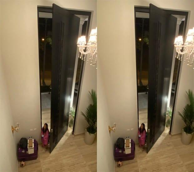Porta gigante da casa da cantora sertaneja Simone (Foto: Reprodução/Instagram)