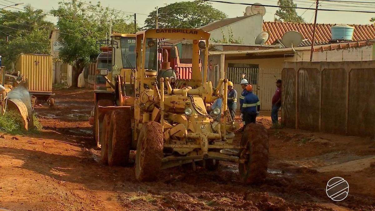 Obras de saneamento são interrompidas em bairros de Campo Grande