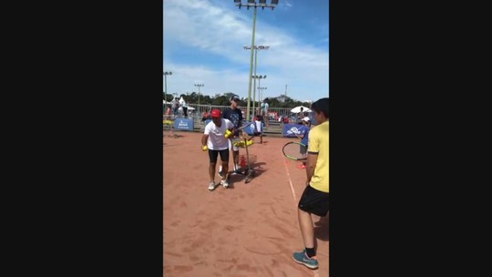 Semana Guga Kuerten promove encontro do tricampeão de Roland Garros com ex-técnico Larri Passos