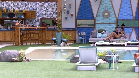Kaysar sugere para Paula e Breno: 'Posso dormir no outro quarto'