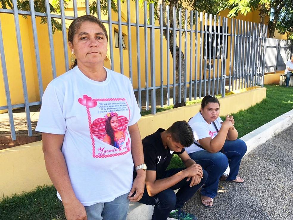 """""""Queremos que seja feita Justiça"""", disse Marinalva Felix, tia de Iasmin  — Foto: Mariana Rocha/Inter TV Cabugi"""