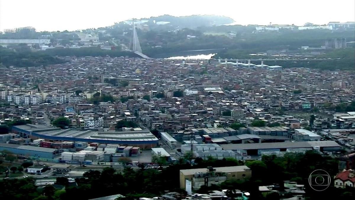 Complexo da Maré concentra mais de 240 foragidos da Justiça; moradores vivem acuados