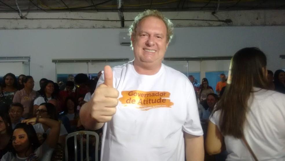 Mauro Carlesse (PHS) durante a apuração dos votos — Foto: Débora Ciany/TV Anhanguera