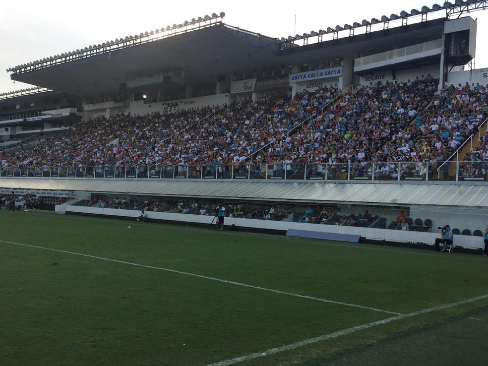 Vila Belmiro recebeu bom público na decisão (Foto: Divulgação/Santos FC)