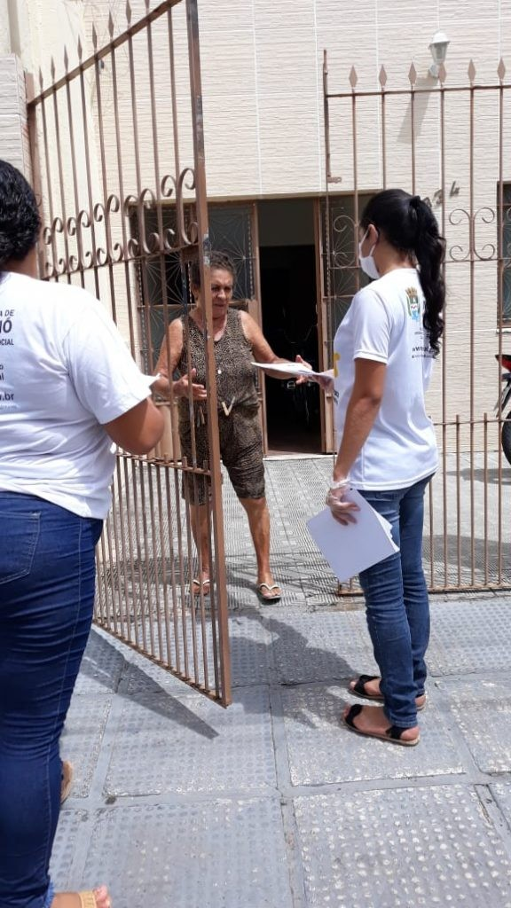 Atividades recreativas são distribuídas em casa para idosos da orla lagunar de Maceió