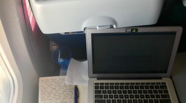 Diário de bordo: voando dos Estados Unidos para o Brasil e escrevendo a coluna  (Foto: Divulgação)
