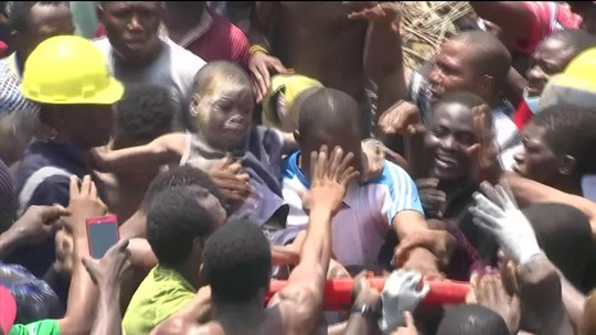 Escola desaba na Nigéria e deixa pelo menos oito mortos e vários feridos